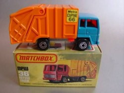 min36england-refusetruck