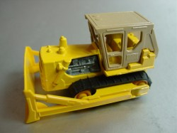 min64england-Caterpillar-yelloworangewheels-20111202